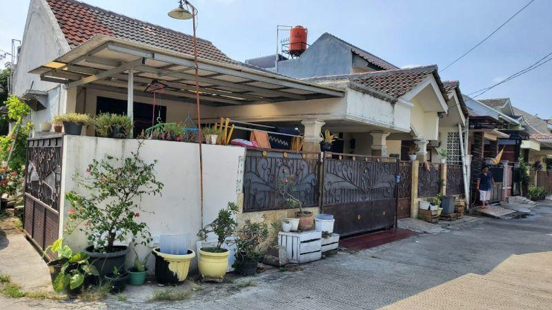 Dijual Rumah Hoek di Pondok Pekayon Indah Bekasi Selatan AG