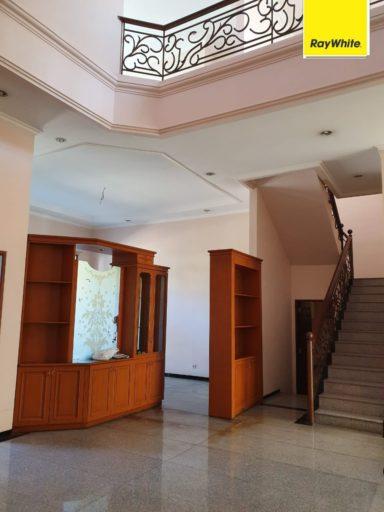 Rumah mewah dijual 2 lantai furnish jati margerejo indah surabaya