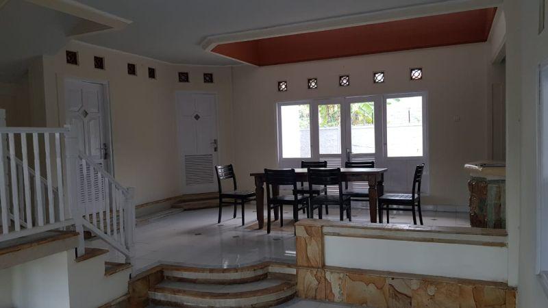 Dijual Rumah Style Villa 2 Lantai di Kerobokan Bali AG1769
