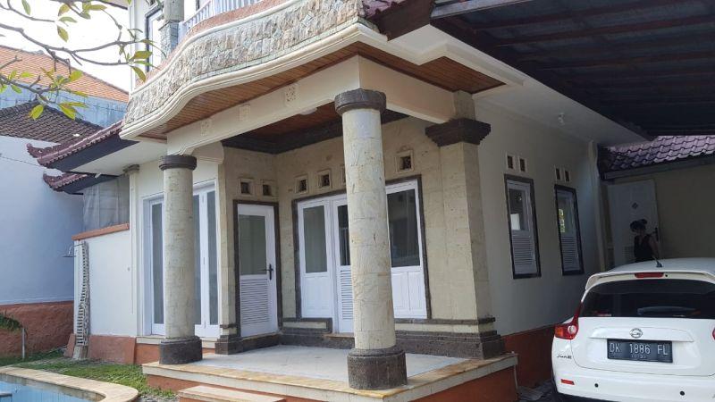 Disewakan Rumah Style Villa 2 Lantai di Kerobokan Bali